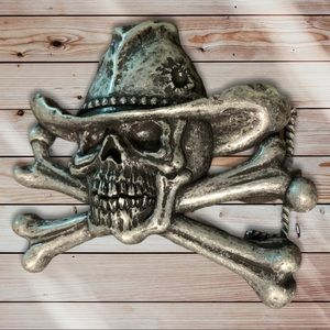 Skull and crossbones with hat belt buckle